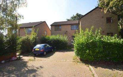 Flat for sale in Forest Rise, Eaglestone, Milton Keynes