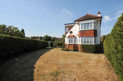 4 Bedrooms Detached House for sale in Addington Road, West Wickham