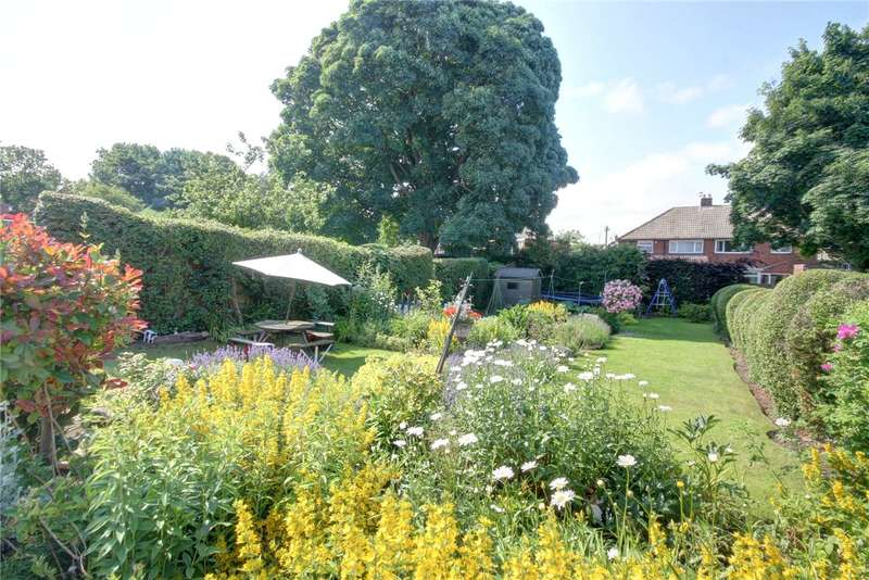 3 Bedrooms Semi Detached House for sale in Moor End Terrace, Belmont, Durham, DH1