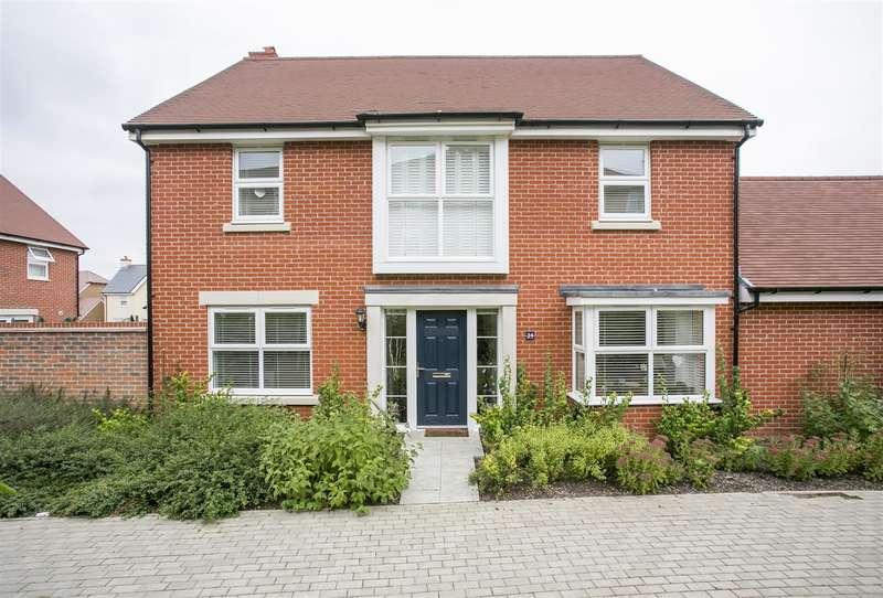 4 Bedrooms Property for sale in Waterloo Walk, Kings Hill, West Malling