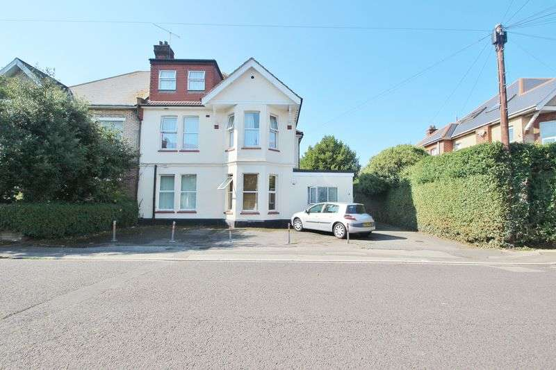 2 Bedrooms Flat for sale in Campbell Road, Bournemouth
