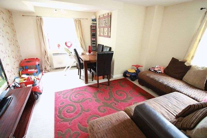 2 Bedrooms Flat for sale in Benhill Road, SUTTON