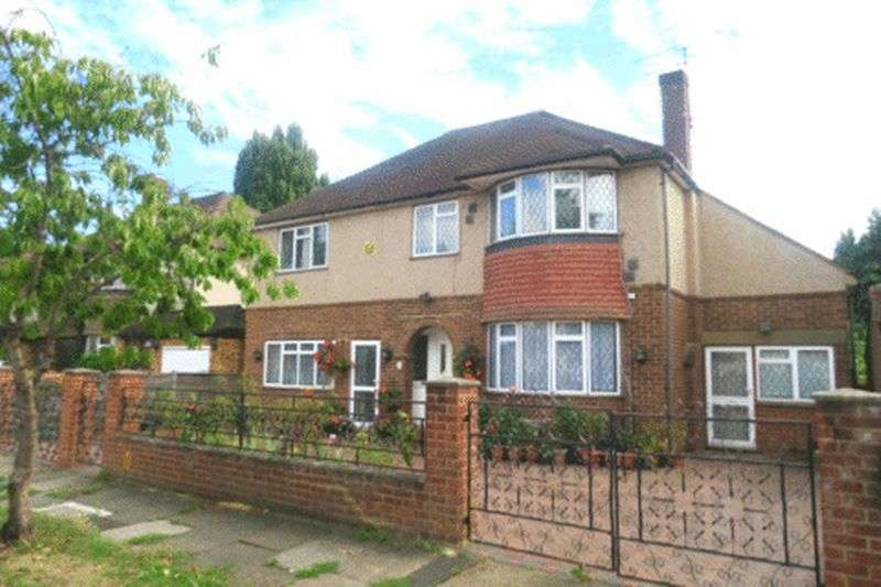 5 Bedrooms Detached House for sale in PATES MANOR DRIVE, BEDFONT