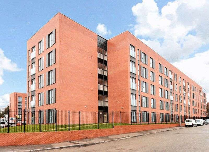 2 Bedrooms Flat for sale in Derwent Street, Salford