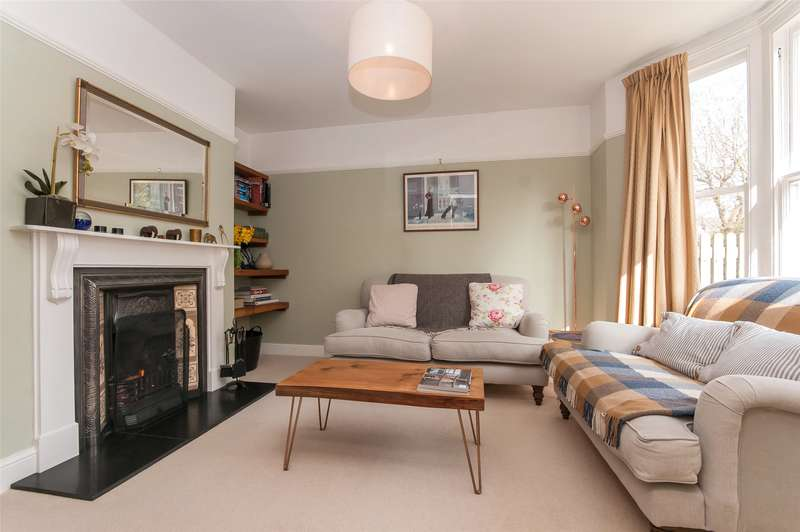 2 Bedrooms Terraced House for sale in Wray View Cottages, Doods Road, RH2