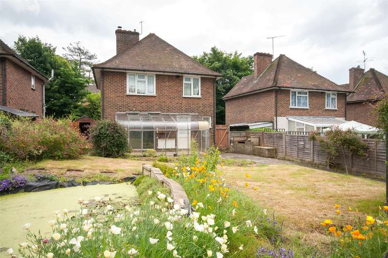 3 Bedrooms Detached House for sale in The Frenches, Redhill, RH1