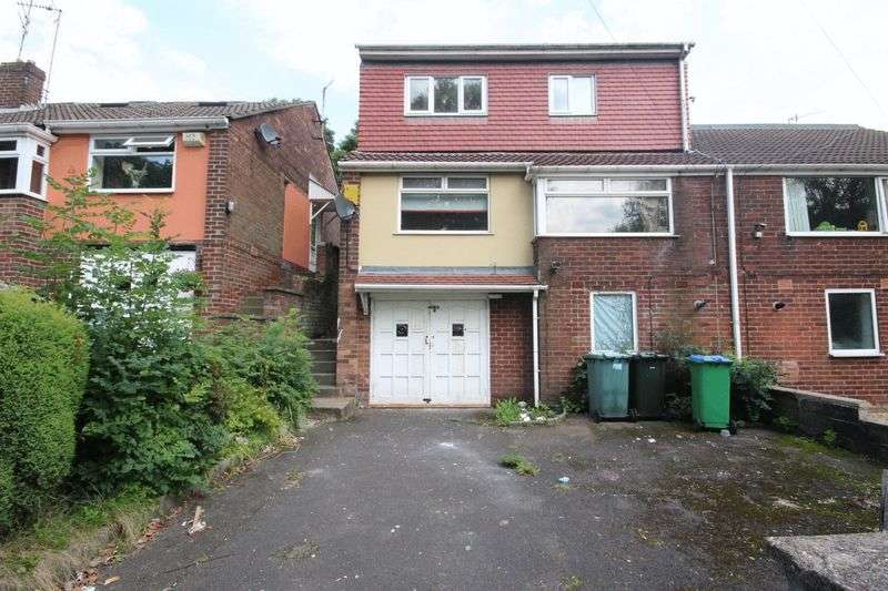 3 Bedrooms Semi Detached House for sale in Clough Road, Middleton M24 2NQ