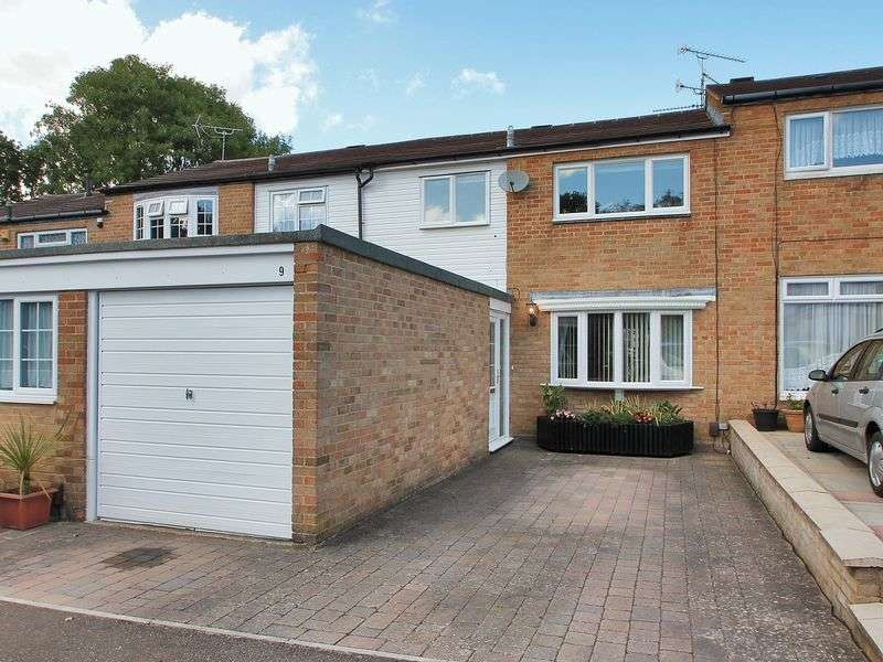 3 Bedrooms Terraced House for sale in Ennerdale Close, Southgate, Crawley, West Sussex