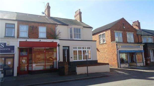3 Bedrooms End Of Terrace House for sale in Stratford Road, Wolverton