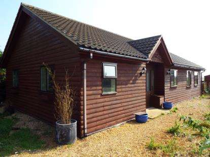 4 Bedrooms Bungalow for sale in Barroway Drove, Downham Market, Norfolk