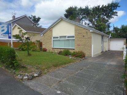 House for sale in Hallfield Close, Flint, Flintshire, CH6