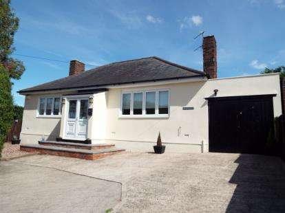 3 Bedrooms Bungalow for sale in Allt Goch, Flint, Flintshire, CH6