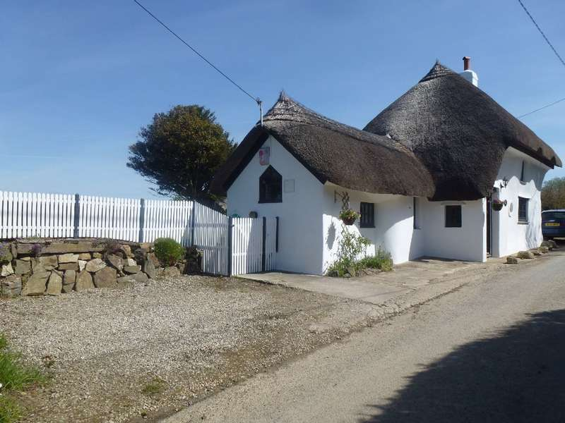 3 Bedrooms Cottage House for sale in Wayside Cottage, Venton, Plymouth