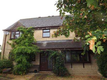 5 Bedrooms Detached House for sale in Shalford Close, Cirencester