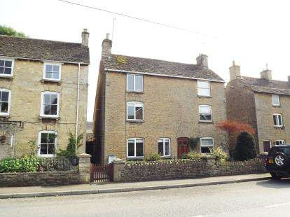 2 Bedrooms Semi Detached House for sale in London Road, Tetbury, Gloucestershire