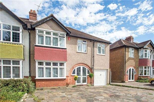 4 Bedrooms Semi Detached House for sale in Wickham Avenue, SUTTON, Surrey, SM3 8EB