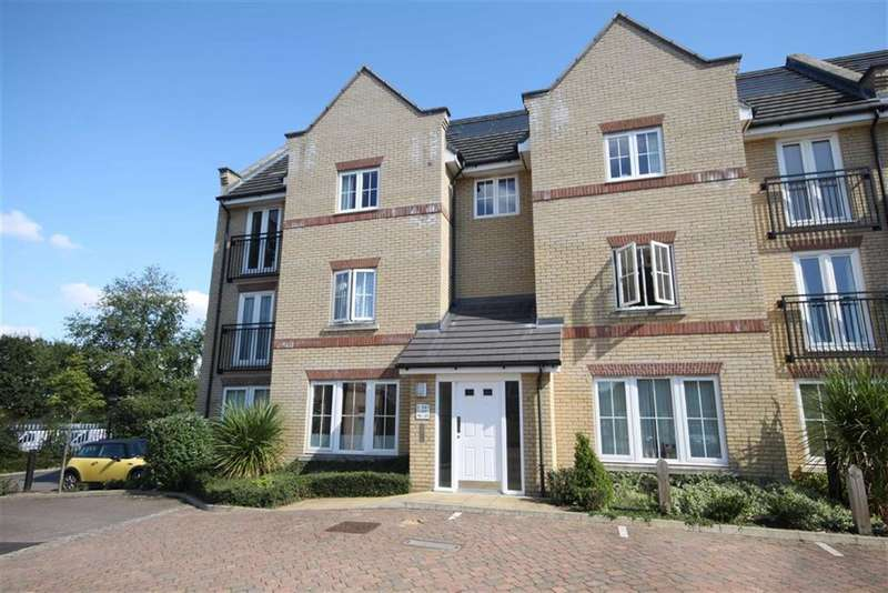 1 Bedroom Property for sale in Grebe Court, Cambridge