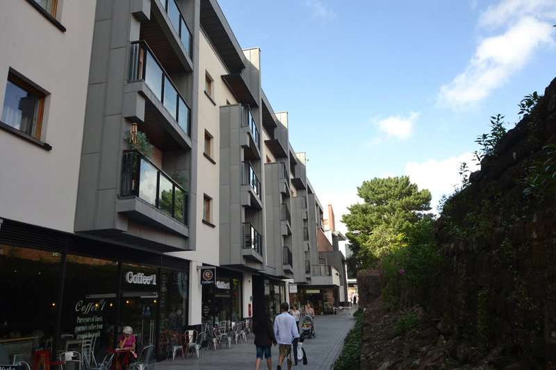 1 Bedroom Flat for sale in 3 Roman Walk, Exeter, Devon