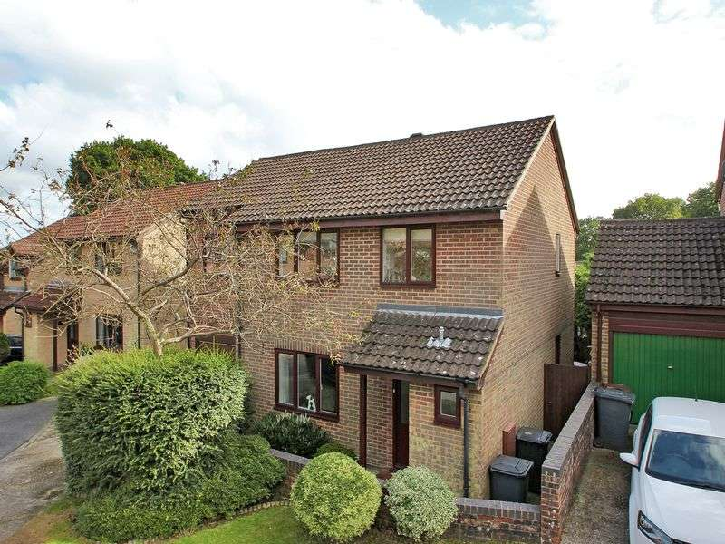 4 Bedrooms Detached House for sale in Coldharbour Close, Crowborough, East Sussex