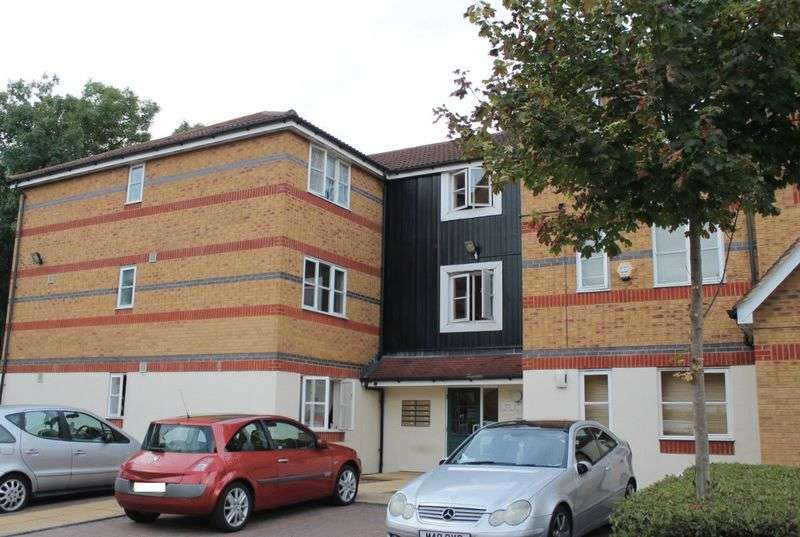 1 Bedroom Flat for sale in Dundas Mews, Enfield