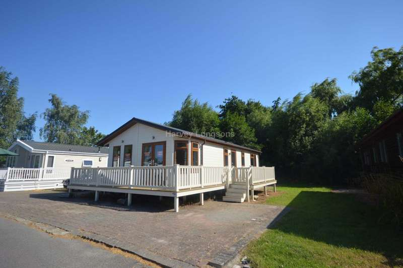 2 Bedrooms Lodge Character Property for sale in Chichester Lakeside Holiday Park, Vinnetrow Road, Chichester