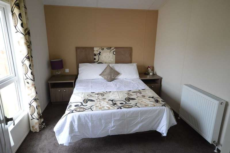 3 Bedrooms Lodge Character Property for sale in Alberta Holiday Park, Faversham Road, Whitstable