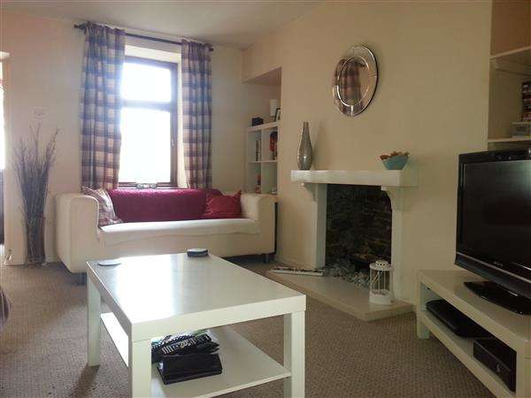 2 Bedrooms Terraced House for sale in Long Row Street, Treforest, Pontypridd