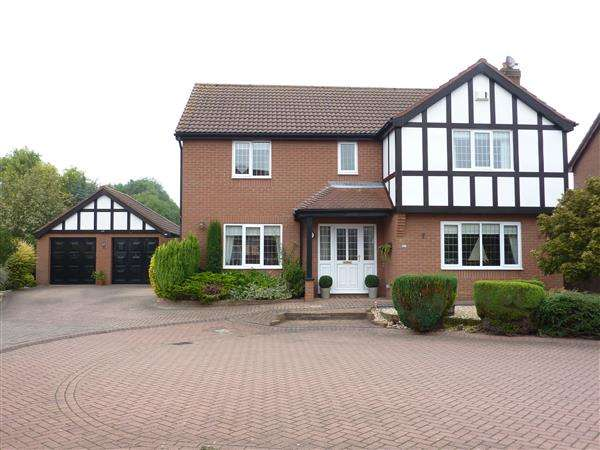 4 Bedrooms Detached House for sale in BLAKENEY LEA, CLEETHORPES