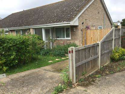 3 Bedrooms Bungalow for sale in Mulbarton, Norwich, Norfolk
