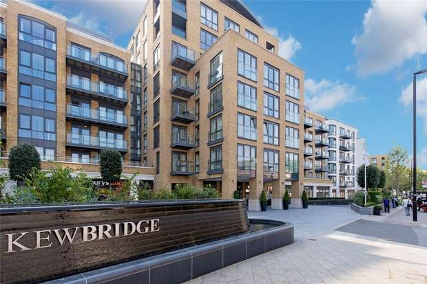 2 Bedrooms Flat for sale in Kew Bridge Road, Brentford