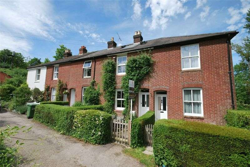 3 Bedrooms Terraced House for sale in Shawford, Winchester, SO21 2BT