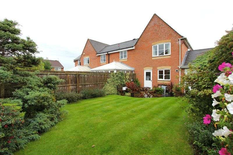 3 Bedrooms Semi Detached House for sale in Teal Close, Leicester Forest East