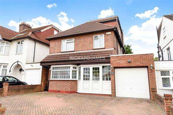4 Bedrooms Detached House for sale in Longfield Avenue, Mill Hill