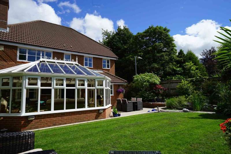 4 Bedrooms Detached House for sale in Milldale Close, Lostock