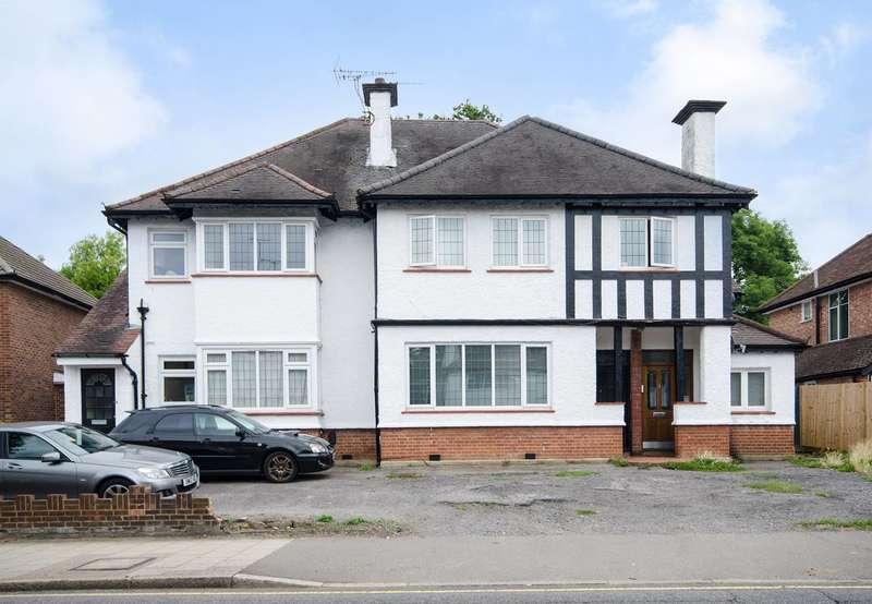 2 Bedrooms Maisonette Flat for sale in Marsh Road, Pinner, HA5