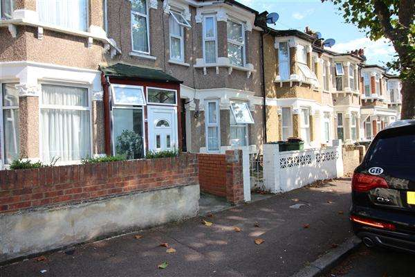 3 Bedrooms Terraced House for sale in Ashley Road, Forest Gate