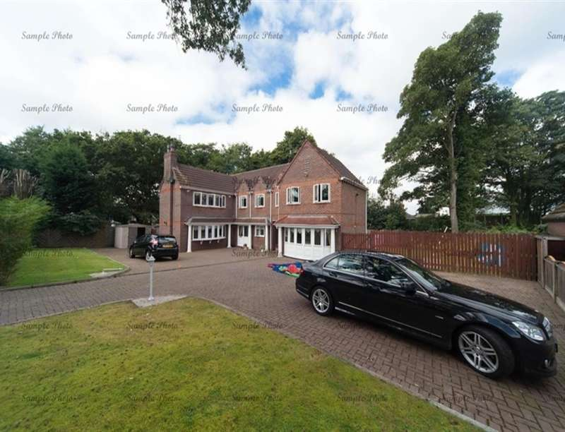 4 Bedrooms Detached House for sale in Dumbreeze Grove, Knowsley, Prescot, L34