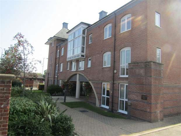 1 Bedroom Flat for sale in Crown Street, Stone, Staffordshire