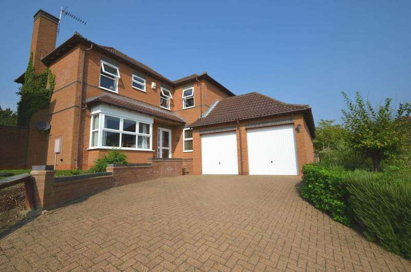 4 Bedrooms Detached House for sale in Walnut Tree