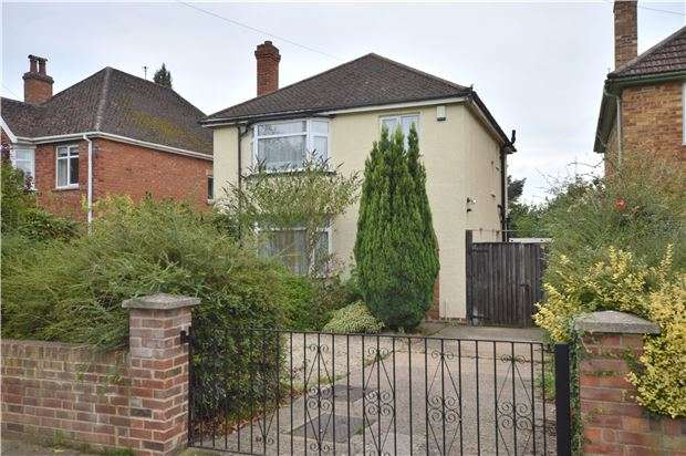 3 Bedrooms Detached House for sale in Priors Road, CHELTENHAM, Gloucestershire, GL52 5AA