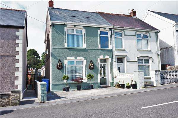 3 Bedrooms Semi Detached House for sale in Waterloo Road, PENYGROES, Llanelli