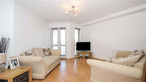 2 Bedrooms Apartment Flat for sale in Urbis, Wolf Lane, Windsor
