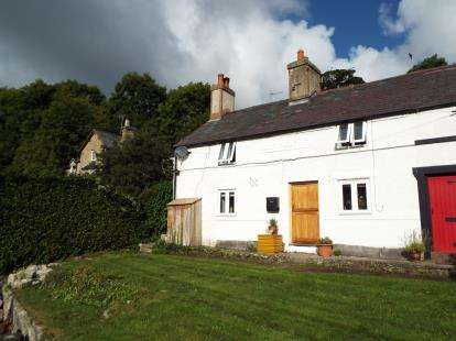 2 Bedrooms Semi Detached House for sale in Mount Pleasant, Whitford, Holywell, Flintshire, CH8