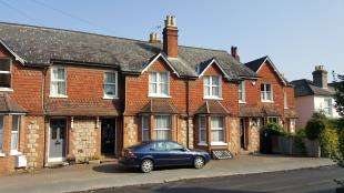 3 Bedrooms House for sale in Grovehill Road, Redhill, Surrey