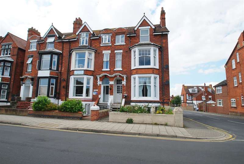 2 Bedrooms Apartment Flat for sale in South Parade, Skegness