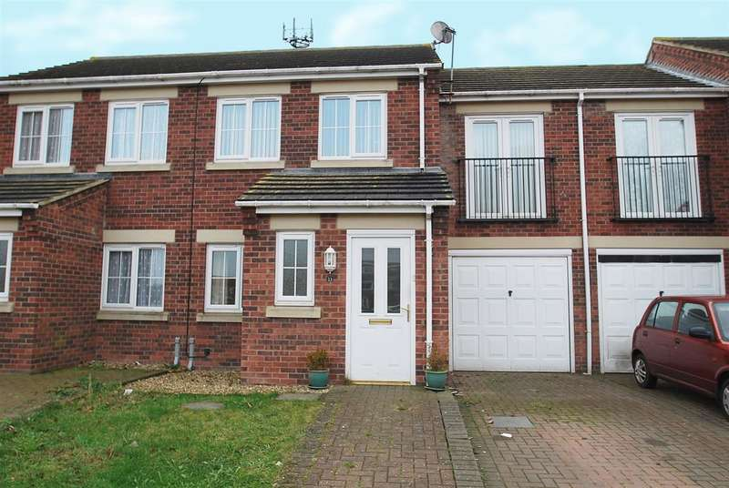 3 Bedrooms Terraced House for sale in Mulberry Way, Skegness