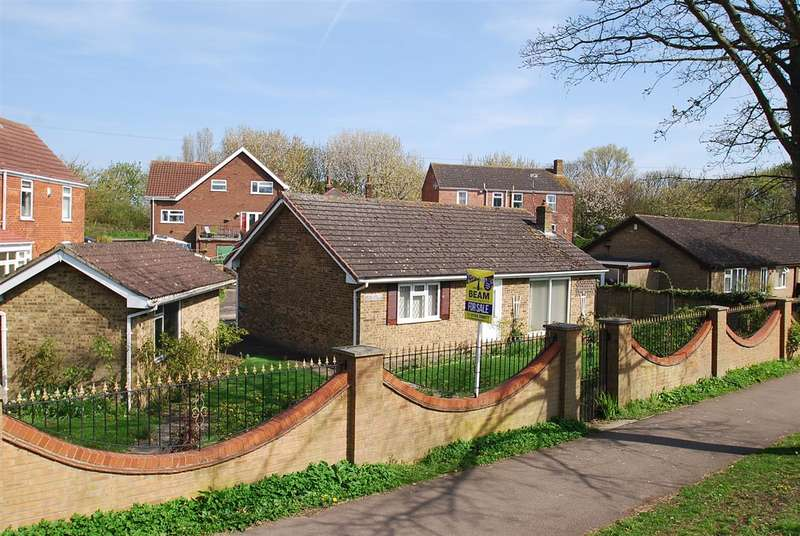2 Bedrooms Bungalow for sale in Merryfield, Old Roman Bank, Skegness