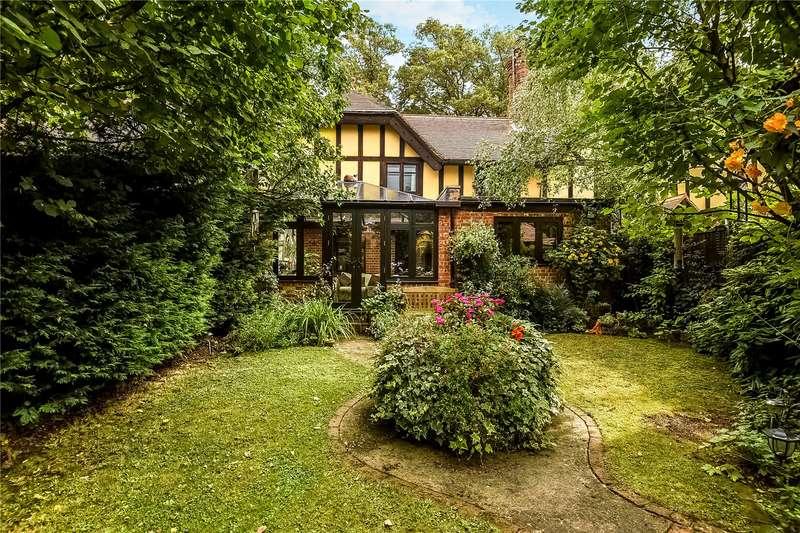 2 Bedrooms Terraced House for sale in Longwater Cottages, Longwater Road, Eversley, Hook, RG27