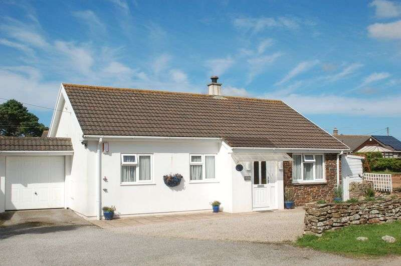 3 Bedrooms Detached Bungalow for sale in Angarrack Lane, Hayle