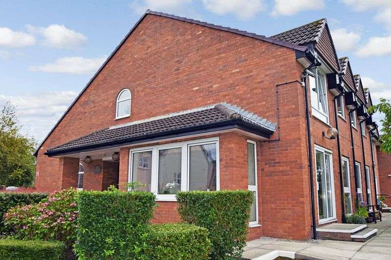 1 Bedroom Retirement Property for sale in Red Dale, Heswall, CH60 7TA